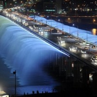 banpo-bridge-in-seoul-south-korea