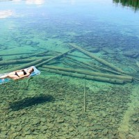 in-northwestern-montana-usa-the-water-is-so-transparent-that-it-seems-that-this-is-a-quite-shallow-lake-in-fact-its-very-deep